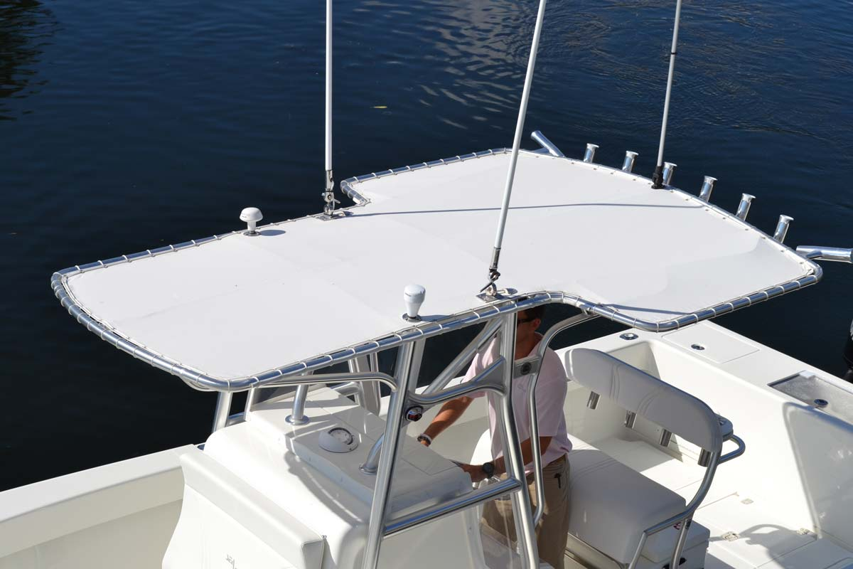 Center console 320 details seavee boats for Key west style lighting
