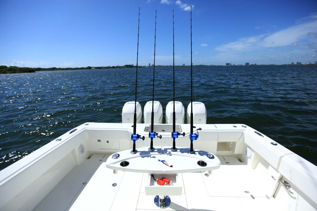 Center consoles 390 outboard details seavee boats for Fishing rocket launcher