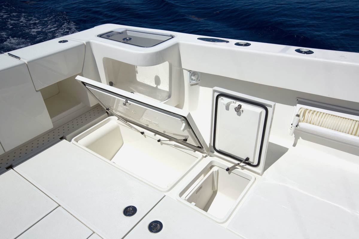Center Consoles 430fa Outboard Details